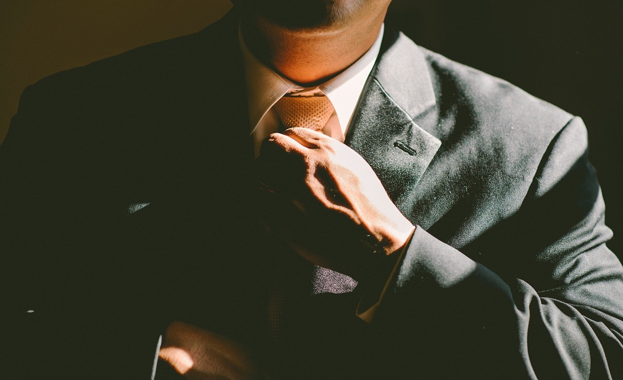 What is the main trait that makes an entrepreneur truly successful and what questions you should ask if you meet him.