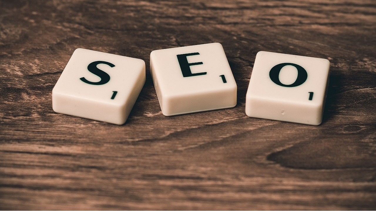 The use of specific keywords is very important when elaborating a digital CV