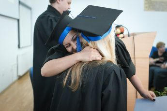 fresh graduate how to find a job